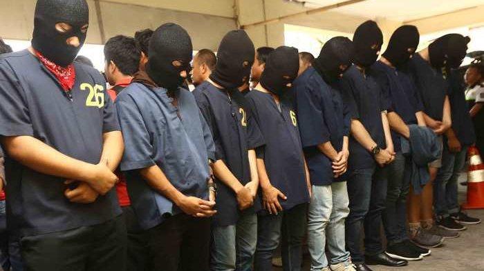Aneka Berita – Pesta Seks Di Kelapa Gading Tuai kecaman dari seluruh BianaragawanIndonesia.